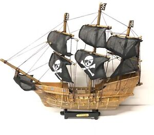 Collectable Pirate Wooden Galleon Model Ship Boat Nautical Gift UK SELLER