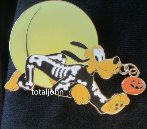 87171 Glow In The Dark Halloween Skeleton Pluto Pin LE 350