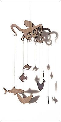 Mobile für Baby Kind Holz Nussbaum Tiere Maritim Kraken, Schildkröte, Wal, Fisch Fisch Mobile