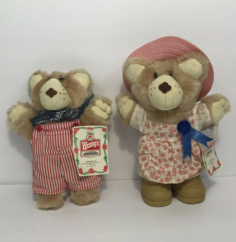 """Vintage 1986 Lot of 2 Wendys FURSKINS 7"""" Dudley & Hattie Bear w/ Holiday Tags"""