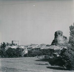 ALBA-LA-ROMAINE c. 1950 -Maisons au pied du Rocher Seigneurie Ardèche - Div 5360 - France - Auvergne Rhne Alpes . Photo Goldner . Photographie tirage original, 18 cm x 17,5 cm environ. . - France