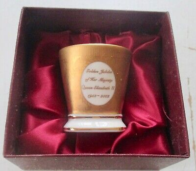 HISTORIC ROYAL PALACES ~ QUEEN ELIZABETH JUBILEE 2002 ~ EGG CUP ~ MIB