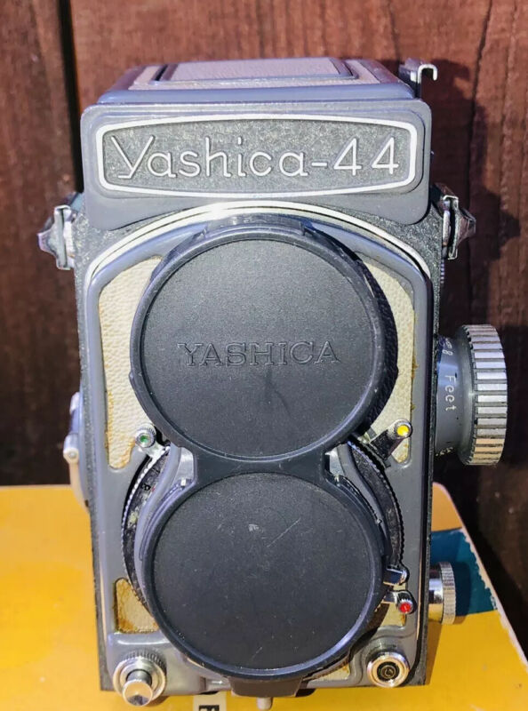 [Excellent in Case] YASHICA 44  TLR CAMERA  with Yashikor F/3.5 60mm  from JAPAN
