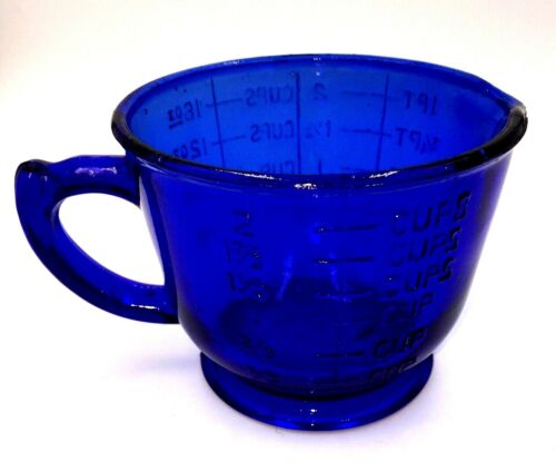 Hazel Atlas Cobalt Blue Glass 2 cup Measuring and Mixing Cup w Spout VINTAGE