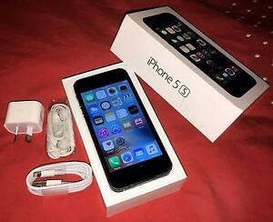 Black iPhone 5s 32gb (good condition, all accessories) Merrimac Gold Coast City Preview