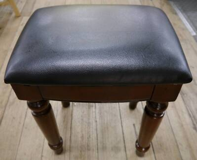 New Classic Walnut Spindle Timber Black PU Leather Piano Stools