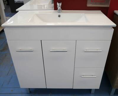 New White Bathroom Caboom Vanity + Castano Mixer Tap Package.