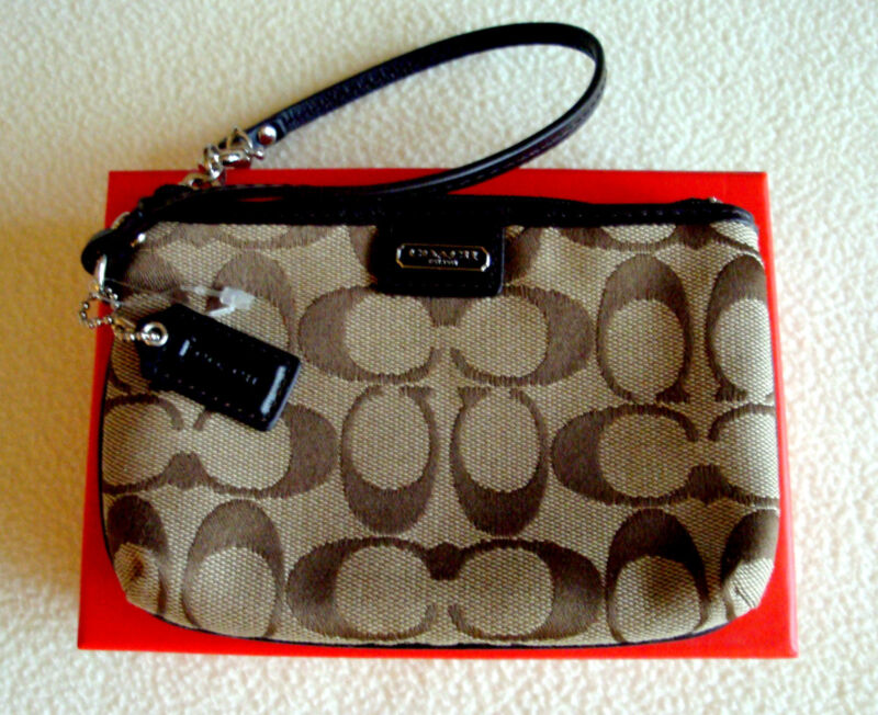 COACH Signature C Jacquard & Patent Leather Small Wristlet w/Box $48 +Tax