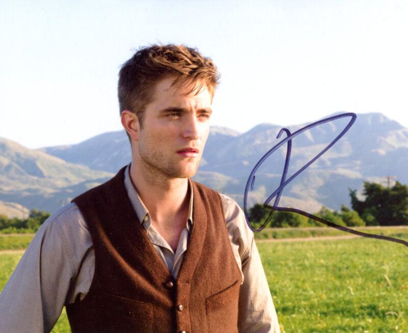 TOP ACTOR Robert Pattinson HARRY POTTER & TWILIGHT SAGA autograph, signed photo