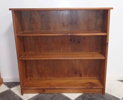 3 shelf real wood bookcase Craigmore Playford Area Preview