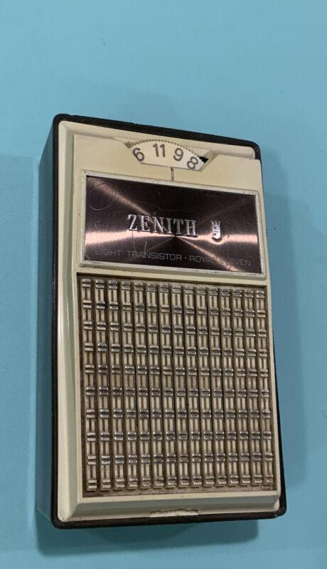 Zenith Royal Eleven Vintage Pocket Transistor Radio. Working