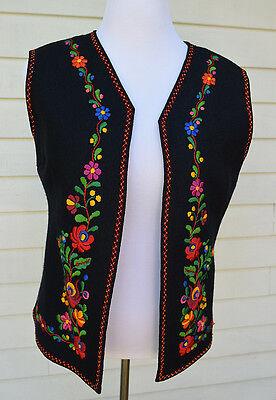 Vintage Embroidered Hungarian Folk Art Black Vest Floral Embroidery Women L / XL