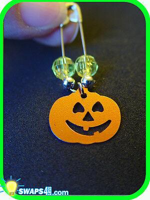 Halloween Jack-o-lantern Coil-less Charm Pin