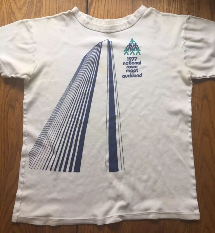 Vintage Boy Scout 1977 National Rover Moot Auckland T-shirt (size small/kids Lg)