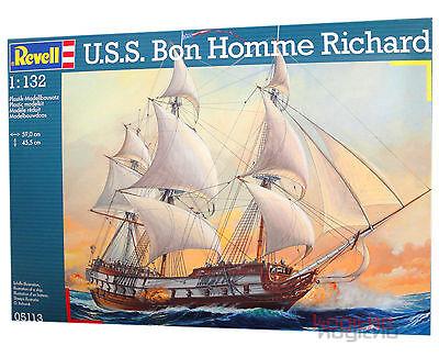 Revell 05113 USS Bon Homme Richard Bausatz Schiff Modellbau Modell Bauen 1:132