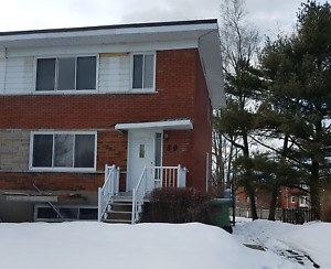 Fully renovated house for rent in Châteauguay