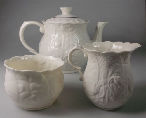 BELLEEK SERENITY TEAPOT with LID, SUGAR and CREAMER  SET (4 PIECES) - EXCELLENT