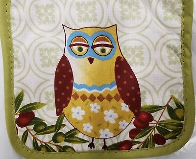 "2 SAME KITCHEN PRINTED POT HOLDERS, OWL & OLIVES, green back (7"" x 7"") by AM"