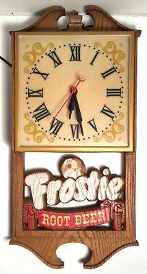 Frostie Root Beer Lighted Clock Works Man Cave Bar TV/Game Room Rare Vintage