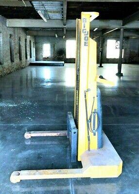 Big Joe 2024-a5 12vdc Electric Pallet Jack Stacker Forklift 2000 Lb 60 Lift