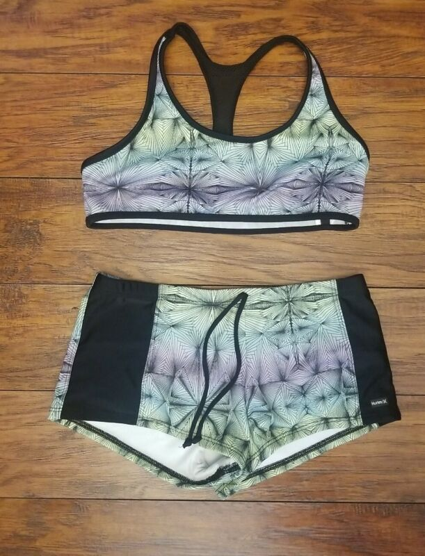 Hurley Girls Sports Bra With Matching Shorts set  size14