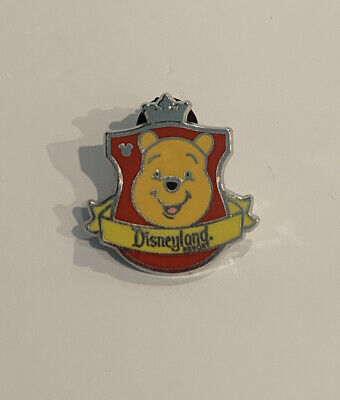 2012 Disney DLR Hidden Mickey Series Crest Collection Winnie the Pooh Pin