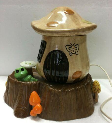 Retro Ceramic Mushroom House Frog Lamp Night Light TV Lamp Vintage 1983