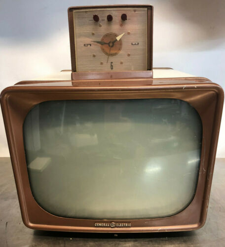Vintage GE Television -Model 14T010- Good Condition!- Came from a Closing Museum