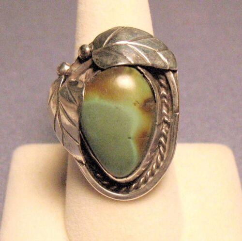 Vtg. Old Pawn Navajo Sterling Silver Turquoise Ring with Leaf Details -- 15.2gr.
