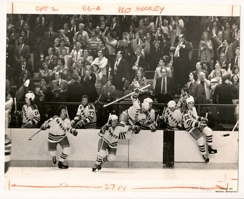 1979 Original Photo Rangers Clear Bench After Beating Islanders in Playoffs!!