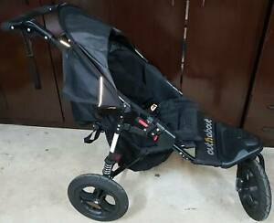 For sale pram / stroller in excellent condition
