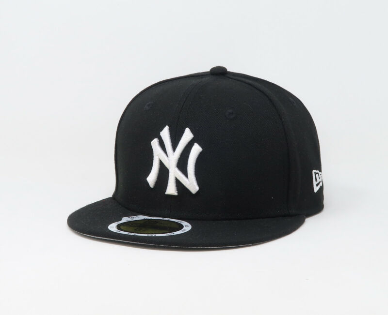New Era 59Fifty MLB Kids Youth Size Cap New York Yankees Black Fitted Hat 5950