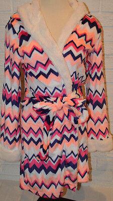 Women's Tarea Rue 21 Melon Orange Chevron Geo Stripe Plush Robe Size S-M (Orange Robe)