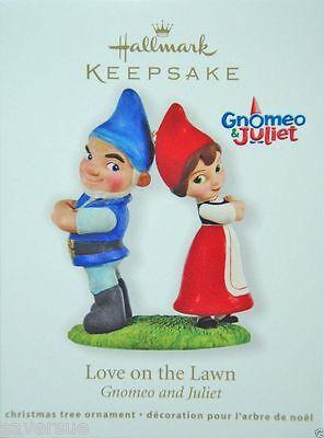 2011 Hallmark   Love On The Lawn   Gnomeo And Juliet   Qxd1019