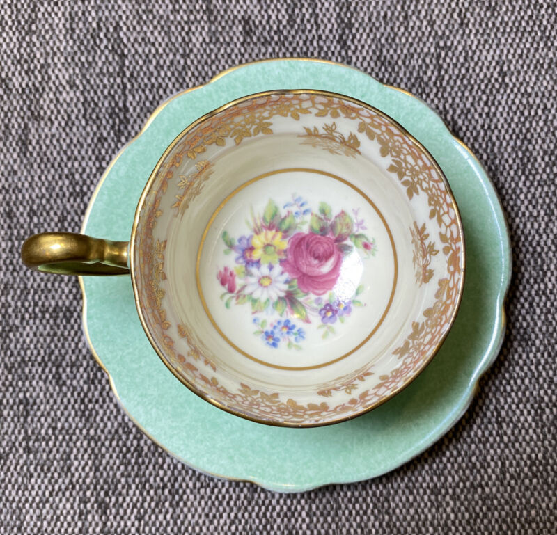 PARAGON Bouquet Flowers Rose Daisy Tea Cup Saucer Light Mint Green Gold England