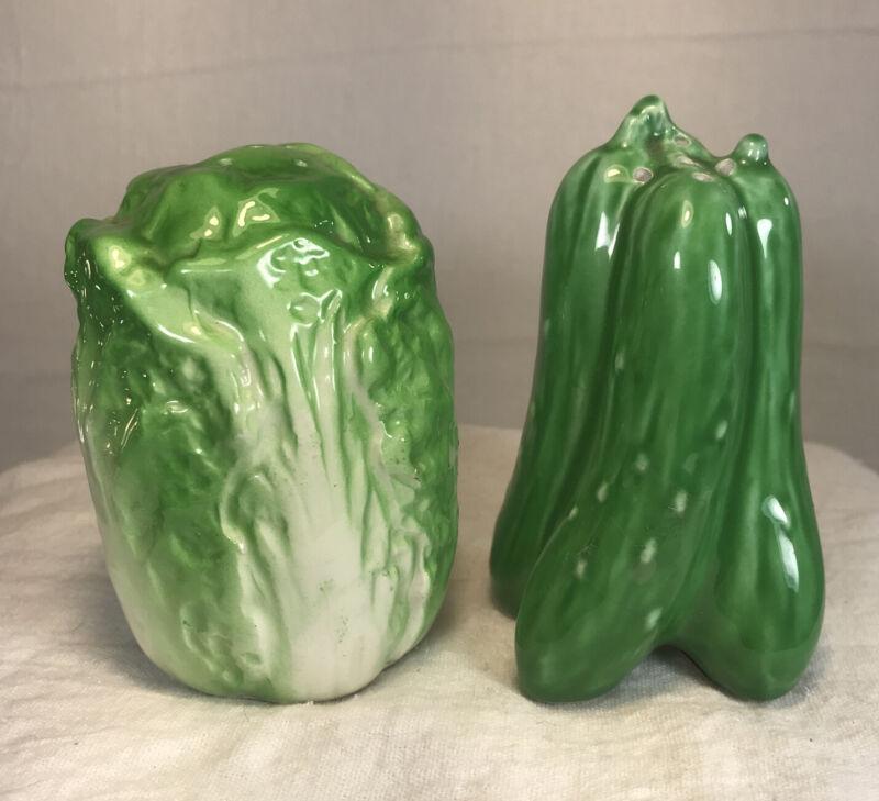 Lefton Vegetable Salt abd Pepper Shakers H5311 Cabbage & Bell Pepper