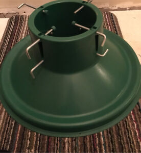 Green Xmas Tree Stand
