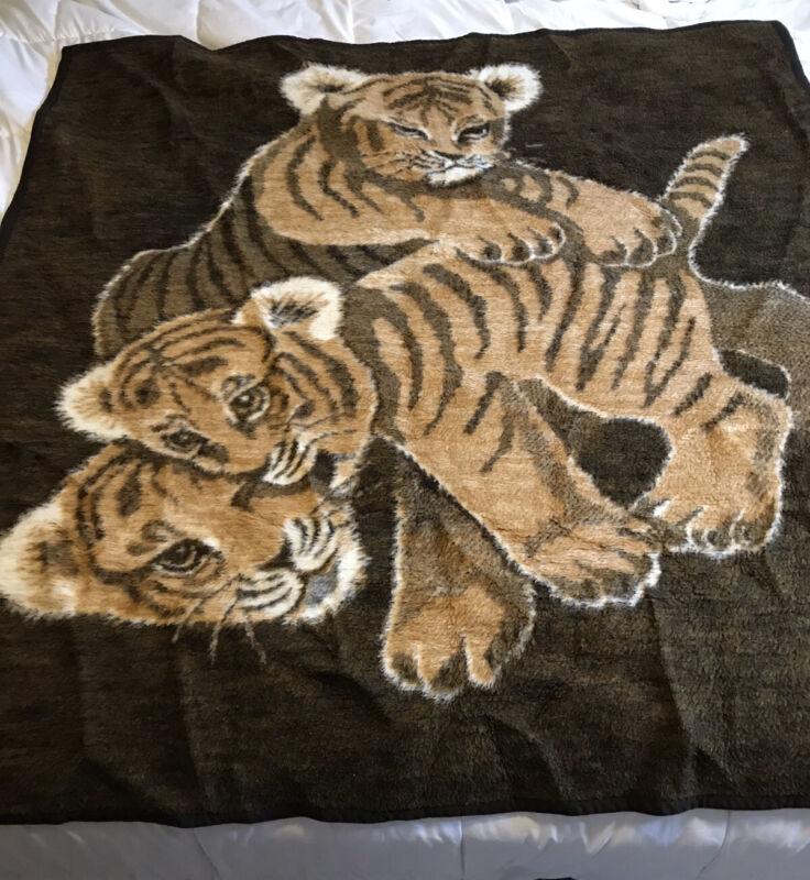 VTG Biederlack Blanket Virgin Acrylic TIGERS Cub Throw Blanket Brown Velour USA