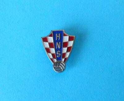 CROATIA FOOTBALL FEDERATION (HNS) pin badge soccer association fussball (Croatia Pin)