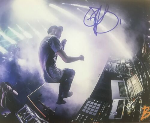 Griz DJ Electronica Dance Signed 8x10 Photo Autographed COA E11