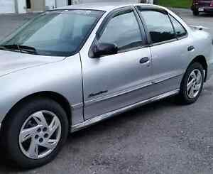 2000 Pontiac Sunfire SE Sedan