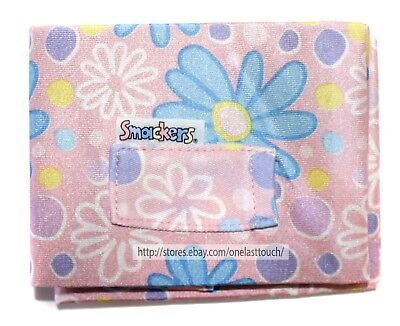 LIP SMACKER 1pc BOOK COVER Stretchy PINK w/WHITE+BLUE+YELLOW FLOWERS 1a OSFM