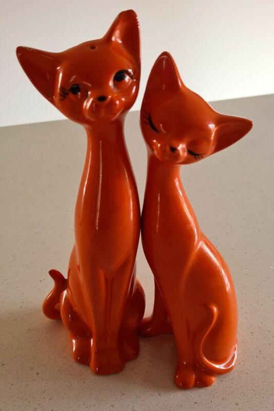 Vintage Orange Siamese Cats Retro Salt and Pepper Shakers. EC