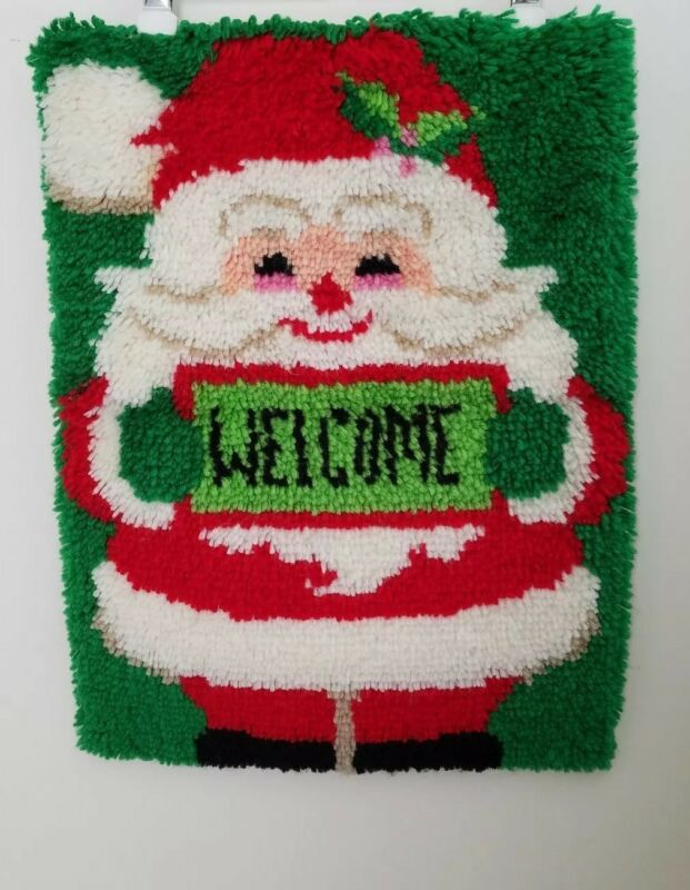 "VTG 18""x24"" Santa Claus St. Nick Christmas WELCOME Latchhook Door Wall Decor Art"