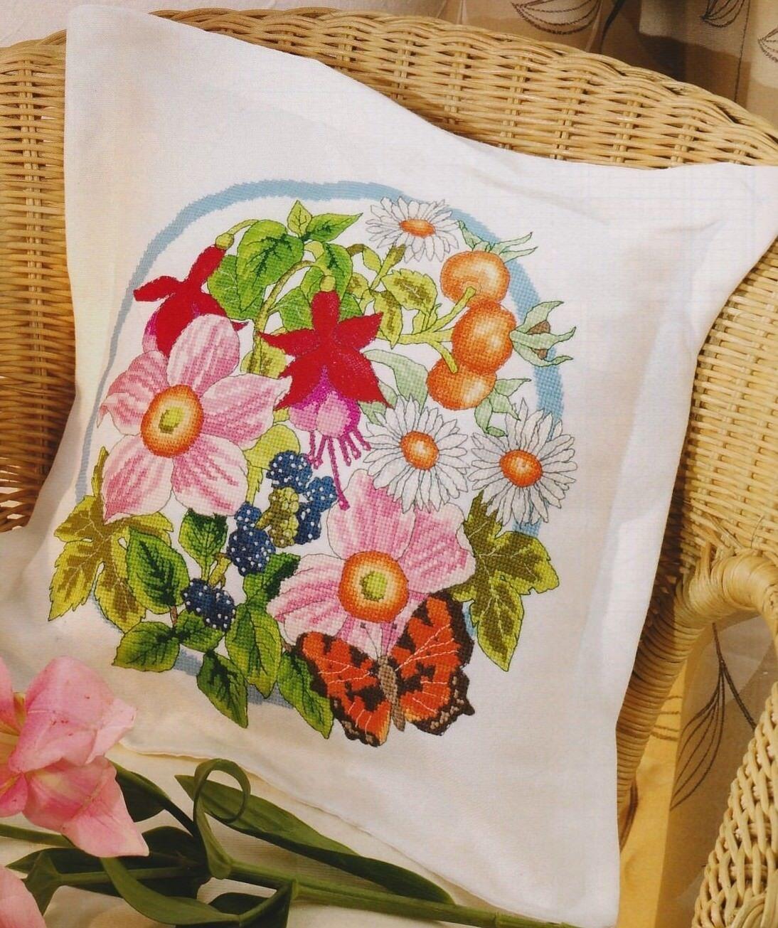 Oltre schemi a punto croce fiori e farfalle qualita for Punto croce fiori e farfalle