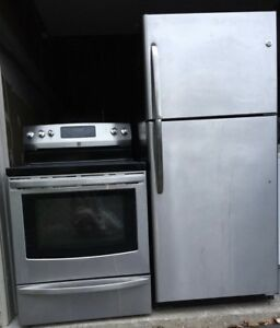 Like new condition Fridge/Stove can DELIVER
