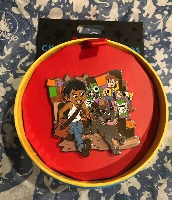 Disney Coco Pixar Character Cameos Quarterly Series Pin LE 1500 Miguel And Dante