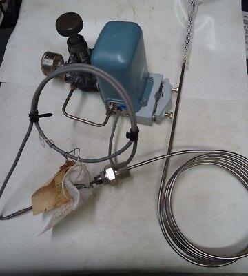 Foxboro M12-a Temperature Transmitter W Bo123he Regulator Used