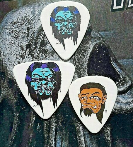 METALLICA (3) Robert Trujillo zombie guitar picks