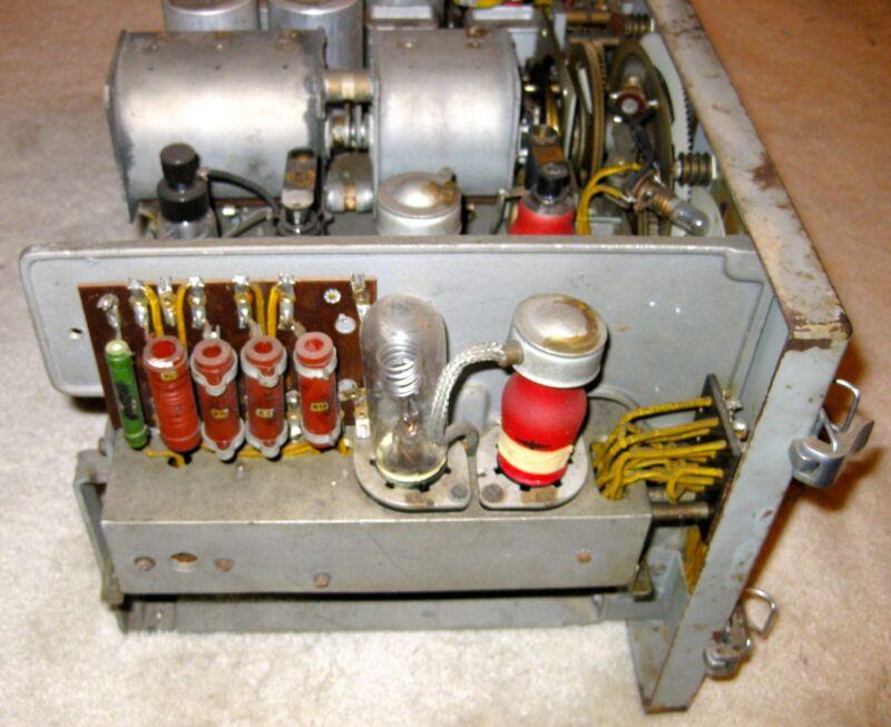 WWII German Kriegsmarine Long Range Radio    Enigma    Machine U